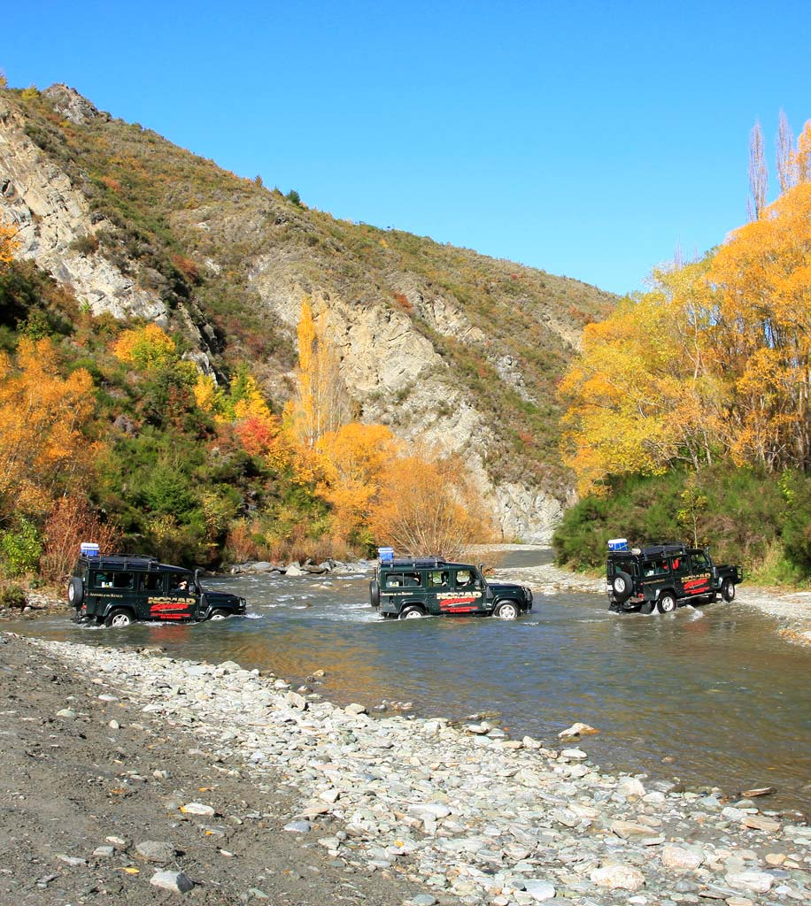 Macetown-4WD-trucks-Arrow-river-crossing