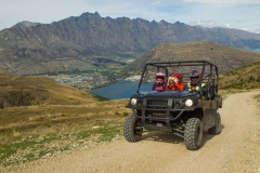 Queenstown-360-quad-driving-up-Queenstown-Hill